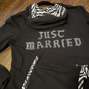 JUST MARRIED jogger set